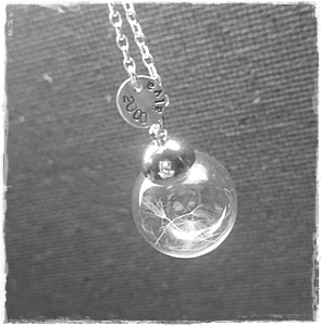 Necklace with dandelion seed