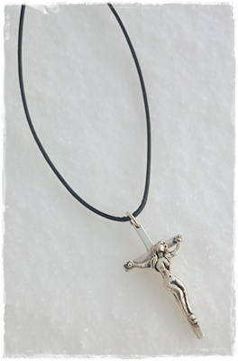 Halsband Crucified silver