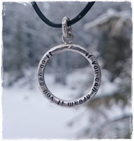 Quotering necklace