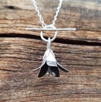 Flower necklace - silverbell
