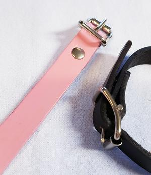 Leather bracelet with your engraving