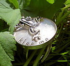 Silverring with frog